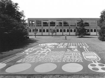 Matt Mullican, Ohne Titel (Skulptur für die chemischen Institute), 1987, Skulptur Projekte in Münster 1987, Foto: LWL/Rudolf Wakonigg