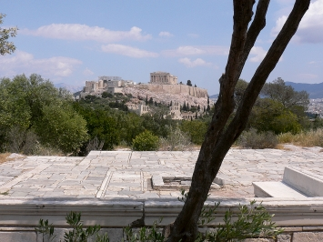 Dimitris Pikionis · Pfad auf dem Filopappou-Hügel, Athen, erbaut 1954–58.Foto: Werner Egli