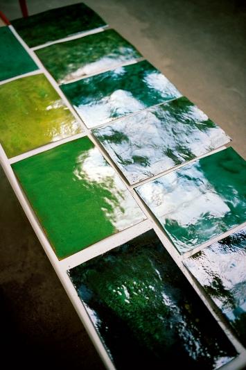 Verde, 2018, Emaille auf Kupfer, ca. 33x47cm, Atelieransicht, Produktion für Arte Castasegna