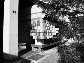 Szenen im Lokal-int in Biel. Installation von Katia Ritz& Florian Hauswirth. Foto: Chri Frautschi