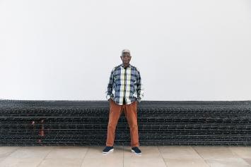 El Anatsui im Haus der Kunst München, 2019.Foto: Maximilian Geuter