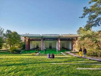 Life, 2021, Ausstellungsansicht, Fondation Beyeler, Riehen/Basel, 2021.Foto: Mark Niedermann
