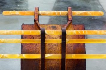 Greater Koa Moorhen, 2013, 86,4x91,4x91,4cm, Courtesy Alexandra Economou Collection