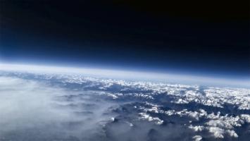 Voyages atmosphériques (Concerning the Blueness of the Sky), 2016, Videostill