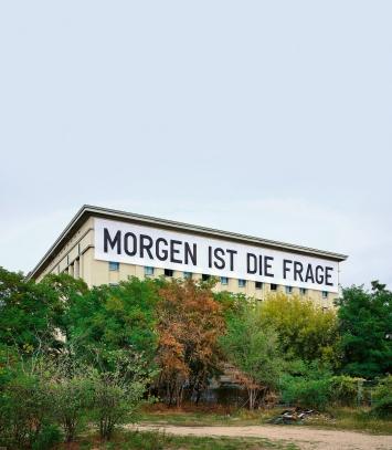 Rirkrit Tiravanija · Morgen ist die Frage, 2020, Studio Berlin/Berghain, courtesy neugerriemschneider Berlin.Foto: Noshe