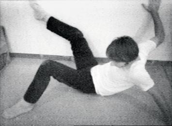 Wall-Floor Positions, 1968, Still aus Video, schwarz-weiss, Ton, 60', The Museum of Modern Art,New York, Courtesy Electronic Arts Intermix (EAI), New York ©ProLitteris