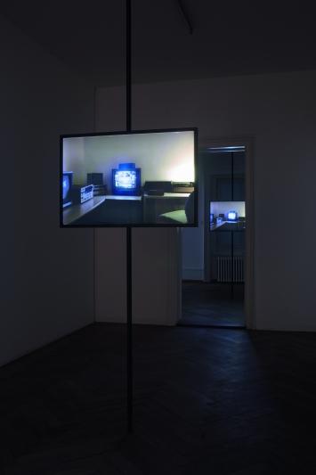 The Vanishing Operator, 2018, drei Leuchtkästen, je 80x53cm, Metallstruktur, Ausstellungsansicht Kunsthaus Langenthal, Courtesy Dan Gunn Gallery, London und BolteLang, Zürich. Foto: Martina Flury Witschi