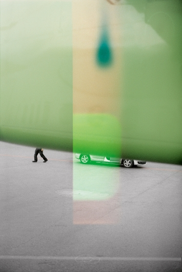 L'apparition, 2015–2019, Detail aus 15-teiliger Fotoserie, C-Print, Plexiglas, 114x76x5 cm