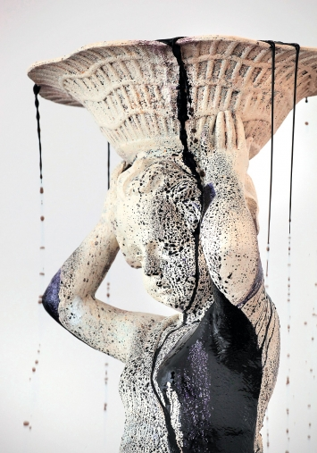 Many Spoken Words (Detail), 2009, in Zusammenarbeit mit Jean-Lou Majerus Stein, Eisen, Tinte, Sammlung Mudam Luxembourg – Musée d'Art Moderne Grand-Duc Jean.Foto: Jean-Lou Majerus