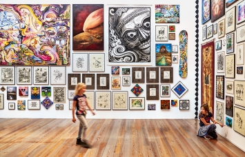 Ausstellungsansicht ‹Leu Art Family›, Museum Tinguely, 2021.Foto: Daniel Spehr