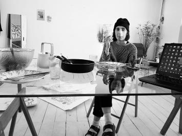Cassidy Toner dans son atelier partagé au GGG Atelierhaus à Bâle.Photo: Débora Alcaine