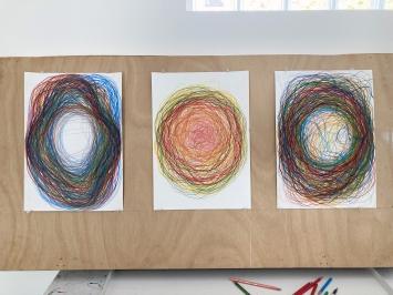 Gilgian Gelzer, inside-out, Farbstift auf Papier, 2020 (3 Werke)