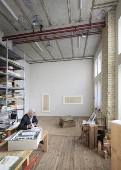 Hans Danuser im Zürcher Atelier, 2017. Foto: Ralph Feiner