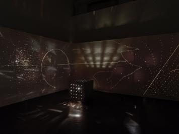 Otto Piene, Lightroom with Schöllerwand, 1999-2020, Installation view Museum Haus Konstruktiv, 2020 © ProLitteris, Zurich; Otto Piene Estate / Sprüth Magers. Foto: Stefan Altenburger