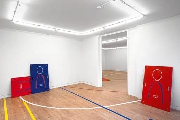Philip Ullrich · takes two to tango, 2020, Ausstellungsansicht Hamlet, Zürich.Foto: Flavio Karrer