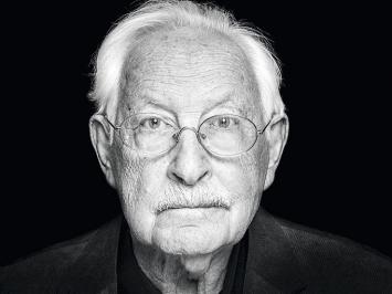 Klaus Appel, 2007,www.last-swiss-holocaust-survivors.ch, aus der Serie Nachbilder, Schwarzweissfotografie, Courtesy Gamaraal Foundation, Foto: Beat Mumenthaler