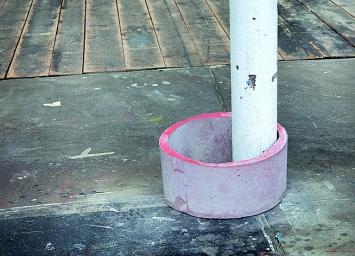 Eva Maria Gisler · Ring, Beton und Pigment, 2018 ©Trudelhaus Baden