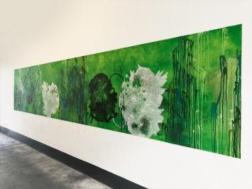 Vera Rothamel · Wandmalerei in situ, 125x600cm, Acrylfarbe auf Putz, 2021, Courtesy Galerie Marianne Grob ©ProLitteris