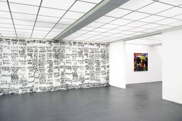 Rochelle Feinstein · Ear to the Ground, 2017 (l.) und Who cares I, 2016, Ausstellungsansicht Kunsthaus Baselland.Foto: Serge Hasenböhler
