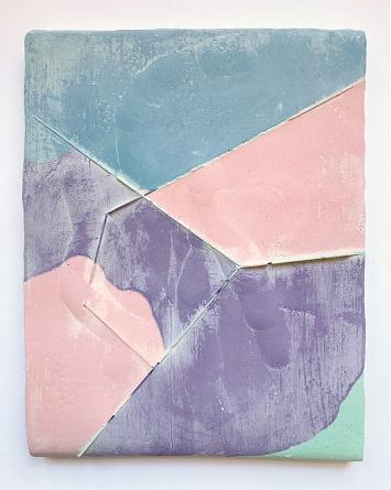 Andrea Heller · Untitled, 2021, Gips, Tinte, Filz, 26,8x20,5x2,5 cm ©ProLitteris