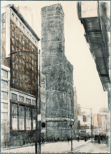 Christo · Packed Public Building, Project for Allied Chemical Tower, No. 1 Times Square, in New York City, 1968, Bleistift, Buntstift, Kohle, Aquarell auf Papier, 127 x 91,5 cm, Sammlung Würth. Foto: André Grossmann