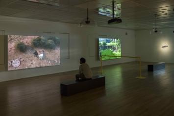 Harun Farocki, Parallele II u. IV, 2014, Video, Ausstellungsansicht