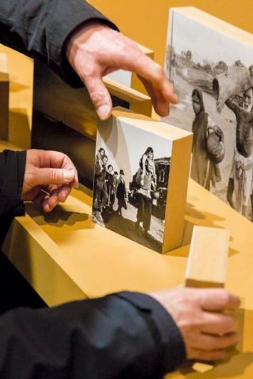 Exil, 2018, Ausstellungsansicht.Foto: Internationales Rotkreuz- und Rothalbmondmuseum