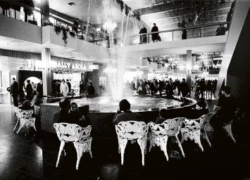 Einweihung des Shoppingcenters Spreitenbach, 1970.Foto: Shoppi Tivoli Management AG