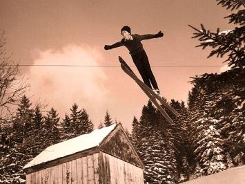 Der junge Walter Steiner am Schanzenspringen im obersten Toggenburg; um 1963, Privatarchiv Walter Steiner