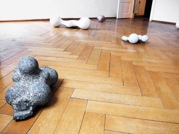 Martin Schneider · Skulpturen 1998–2018, Ausstellungsansicht Werkstatt, Courtesy Zellweger arte contemporanea, Lugano