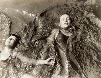 Kate Steinitz · Backstroke, 1930, Thomas Walther Collection, Courtesy Steinitz Family Art Collection, MoMA, NY/Scala, Florenz