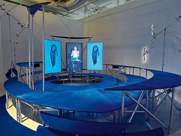 Hito Steyerl · I Will Survive, 2021, Ausstellungsansicht Centre Pompidou ©ProLitteris