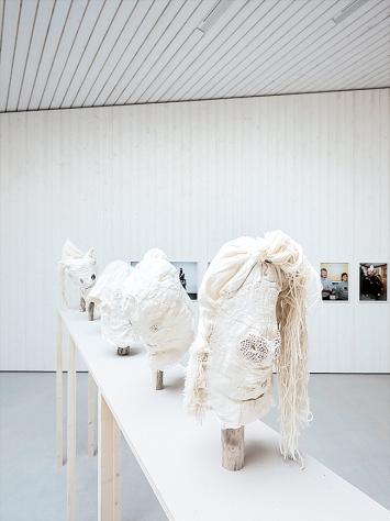 Nathalie Bissig · Ich ging und sah, 2020, Ausstellungsansicht Nidwaldner Museum ©ProLitteris.Foto: CH