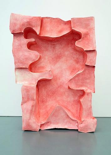 Simone Holliger · Element aus: Fremde im selben Raum, 2018, Papier, Leim, Pigment, 306x220x45cm.Foto: David Aeppli