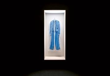 Simon Fujiwara · What Beyoncé Wore to the Anne Frank House, 2018, Ausstellungsansicht Fotomuseum Winterthur.Foto: Lucinda Grange