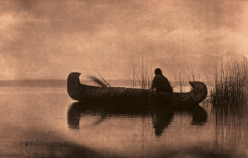 Edward S. Curtis · Kutenai Duck Hunter, 1910, Fotogravur, McCormick Library of Special ­Collections, Northwestern University Libraries