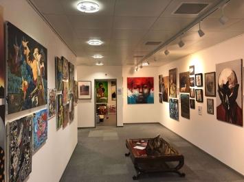 Der Salon mit der Dauerausstellung ARTECUBA, ebenfalls in der Gallery CUBANOW