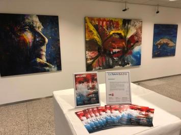 Grossformatige Werke präsentieren sich wunderbar in der grossen Halle der Gallery CUBANOW