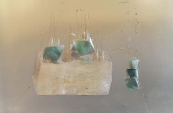 """""""Keimen"""", 2018, Saat, Stein, Staubbeutel, Zucker, Reis, Kunstharz, 19 x 27 x 6 cm"""