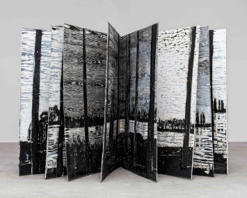 Anselm Kiefer, The Siegfried line,1982-2013, Collage auf Holz, Acryl und Lack-Leim auf Papier, Leinwand und Karton, 16 Seiten, 189 x 166 x 11 cm (geschlossen).Foto: Charles Duprat