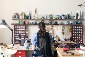 Kobakant: KOBA – Schneiderei für elektronische Textilien. Fotos: Aimee Shirley für FvF Productions (freundevonfreunden.com)