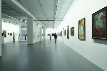 Kunstmuseum Singen, Innensicht Erdgeschoss, Ausstellung Wieder Da! Kunst in neuen Räumen, 2014Foto Frank Müller, Gottmadingen, (c) Kunstmuseum Singen, Stadt Singen