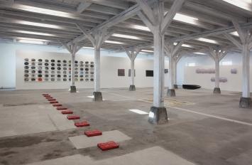 Kunst(Zeug)Haus Rapperswil-Jona. Einblick in die Sammlungspräsentation im Erdgeschoss.