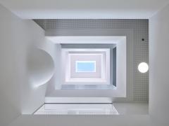 Maude Schneider, Hémisphère, Blick von unten nach oben im Atrium,Foto: Thomas Jantscher, Colombier