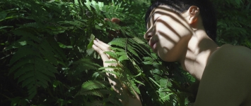 Zheng Bo·Pteridophilia 1, 2016, Videostill, Courtesy der Künstler und Edouard Malingue Gallery