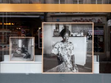Thomas Kern, ‹je te regarde et tu dis›, Rue de Lausanne, Freiburg, 2021.Foto: Julie Folly© Fri Art Kunsthalle