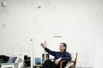 Markus Raetz im Atelier in Bern, 2011 © ProLitteris. Foto: Alexander Jaquemet