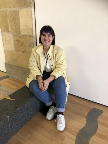 Sara da Silva Santos, ‹Lagoa rasa›, Centre d'art contemporain Yverdon-les-Bains, 2018 (Ausstellungsansicht mit der Künstlerin).Foto: Katharina Holderegger