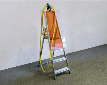Guido von Stürler · The Footprintz Series: No.13, 2020, Wasserschlauch, Epoxidharz, Polystyrolscheibe, Aluleiter, Kunststoffzange, 80x50x160cm