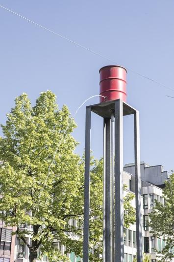 Roman Signer, Wasserturm, 1987, Kunst im öffentlichen Raum der Stadt St. Gallen, Fotografie: Anna-Tina Eberhard, St. Gallen